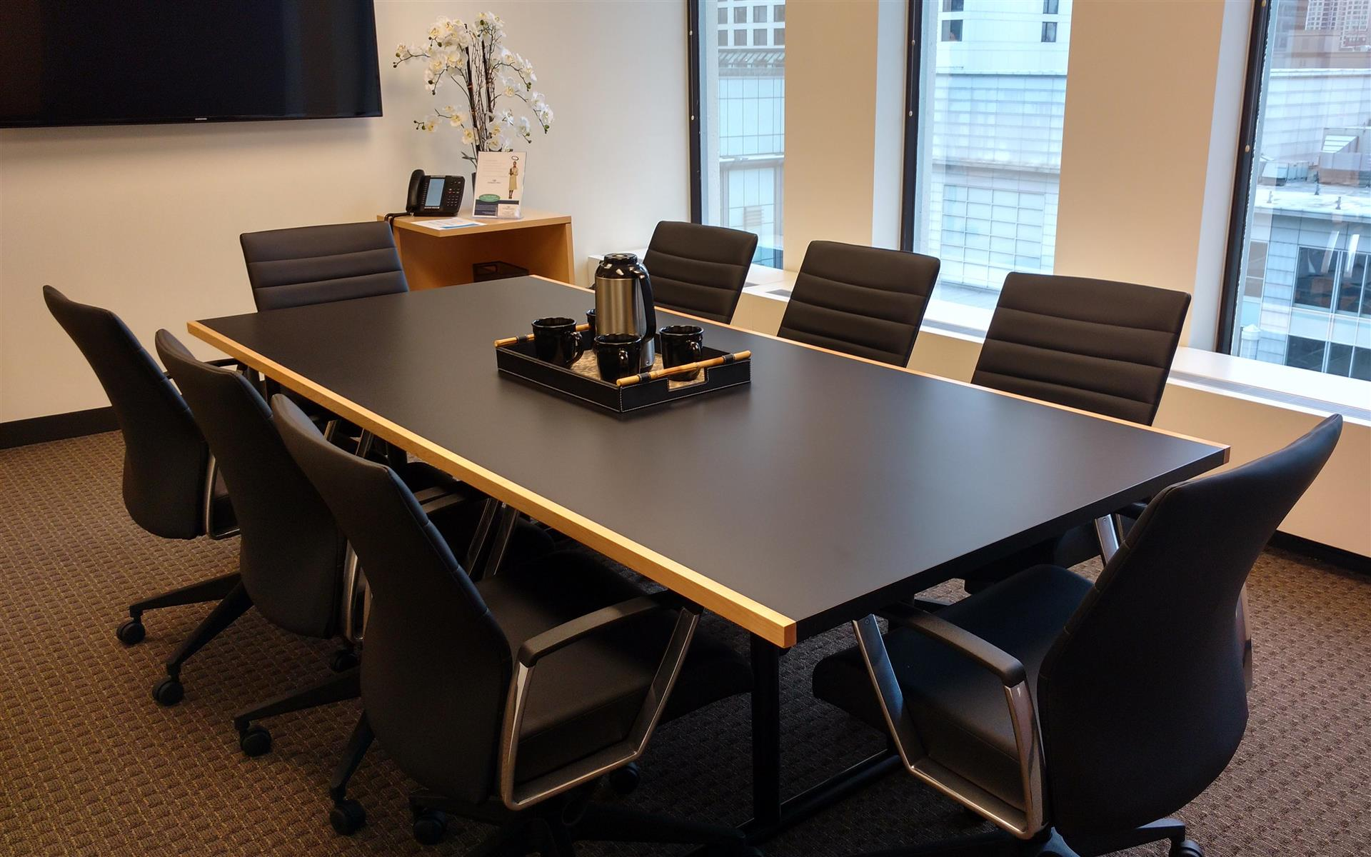 Intelligent Office Chicago Mag Mile - Large Elegant Conference Room