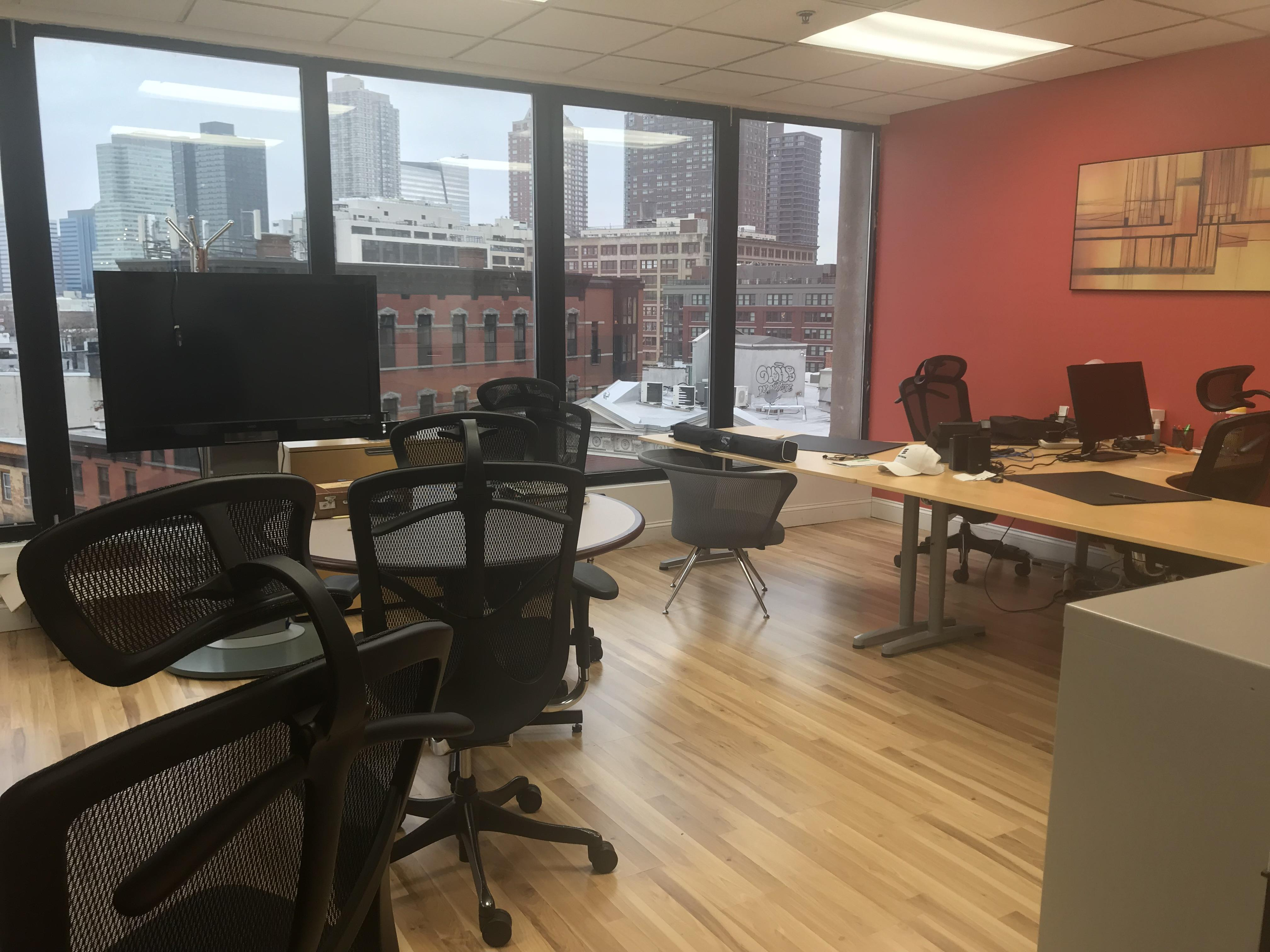 Indiegrove - Beautiful Private Office Downtown (Copy)