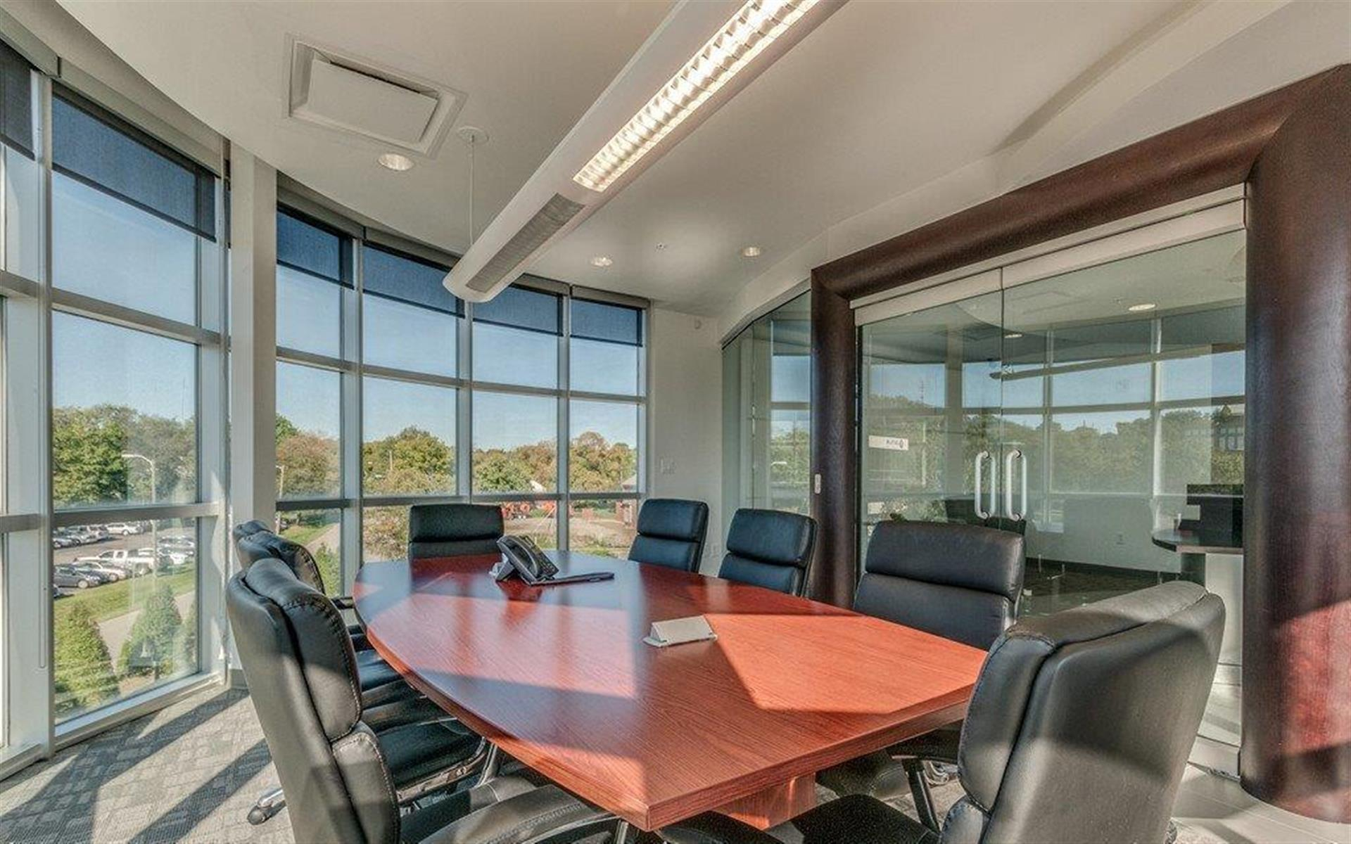 Green Hills Office Suites - Large Meeting Room (342)