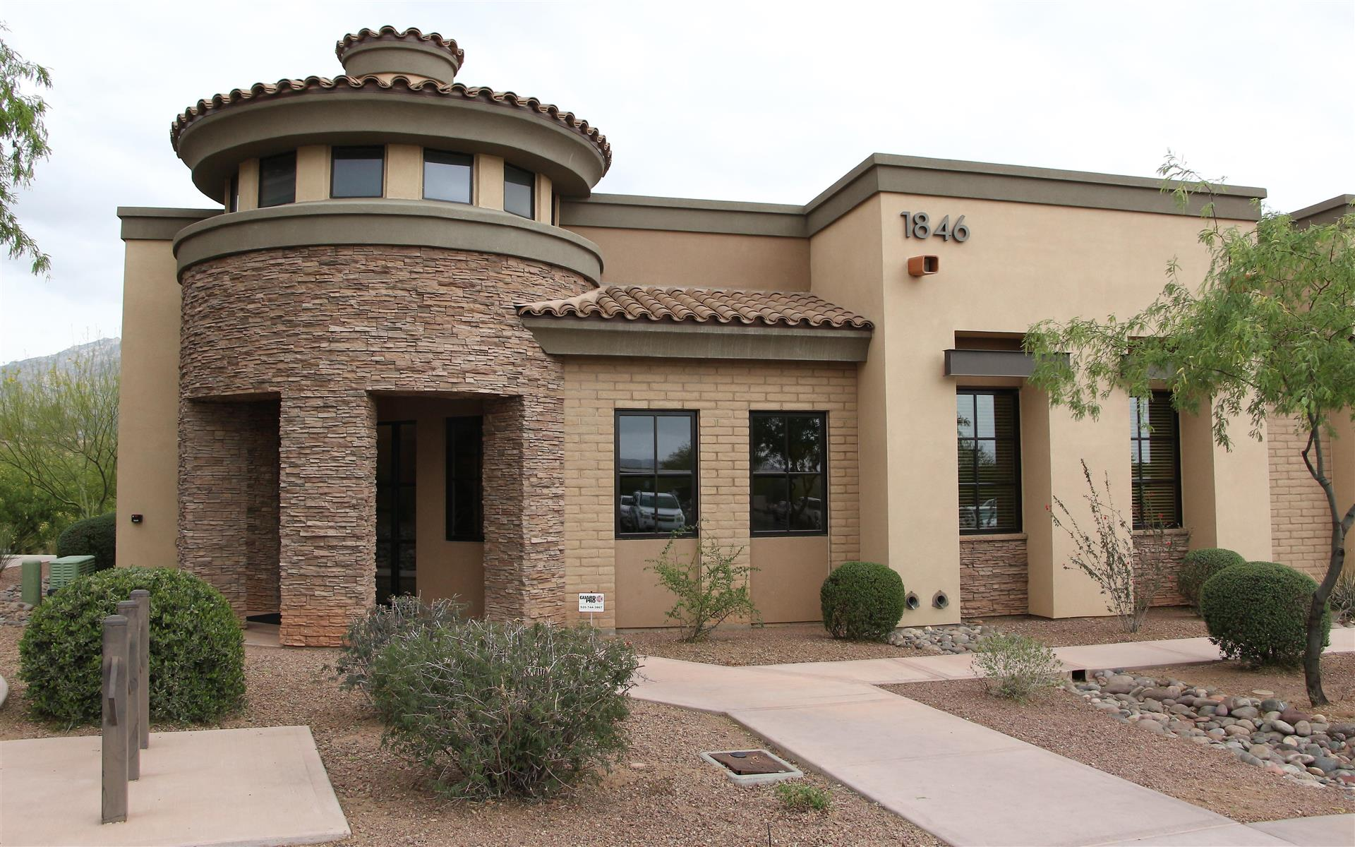 Working At Intelligent Office Of Oro Valley At Oro Valley
