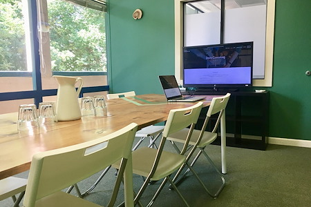 Davis Coworking - Conference room