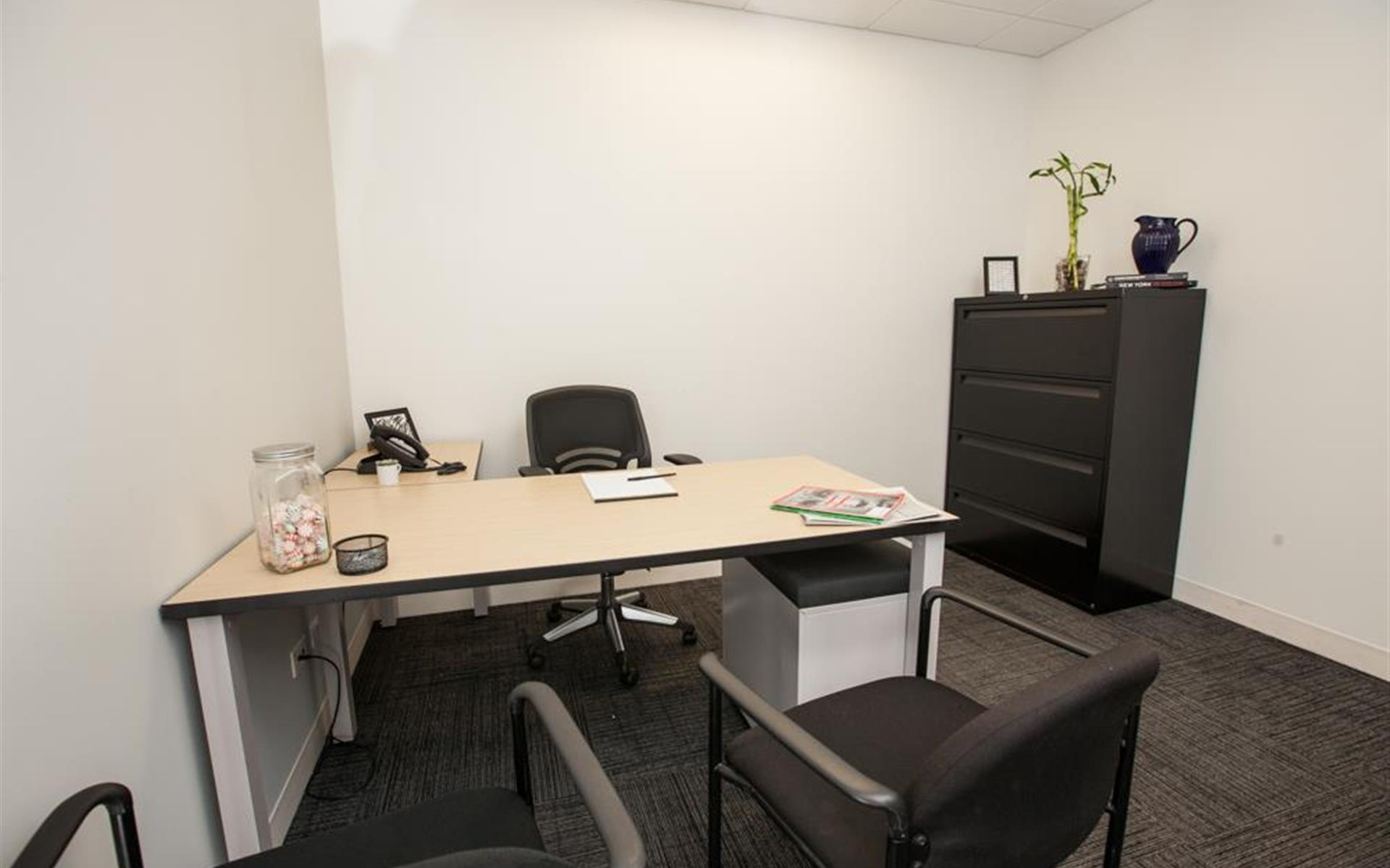 Corporate Suites: 1180 6th Ave (46th) - 865