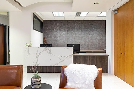 (BH3) Premier Workspaces - Beverly Hills Triangle 3 - 9595 or 9701 Wilshire