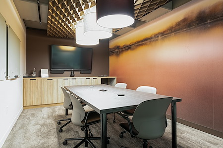 iQ Offices | 222 Queen St - Tulip Room