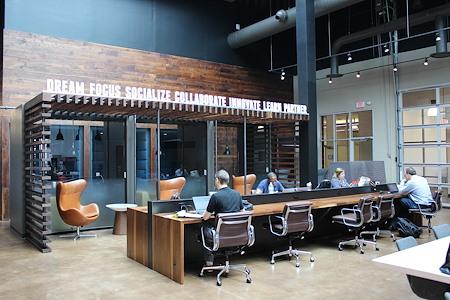 Roam Galleria - Select Membership, Shared space access