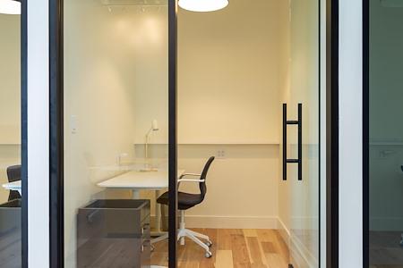 WestBase Coworking - Regular Office 4
