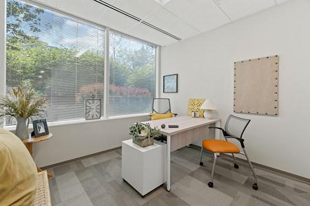 Office Evolution - Herndon - Window Office in Herndon
