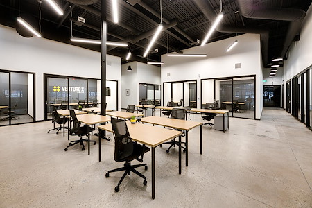 Venture X Oakville - South Oak Junction - Dedicated Desk