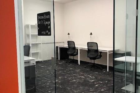 25N Coworking - Arlington Heights - Team Office 318