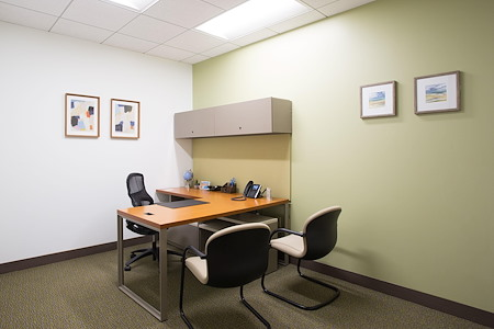 Carr Workplaces - Spectrum Center - Day Office