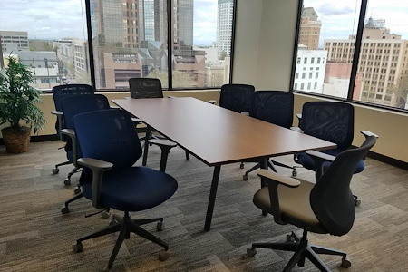 Pacific Workplaces - Capitol - Ross Conference Room