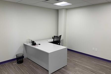 Co Working Space in Beautiful Downtown Ridgefield - Large Office in Ridgefield, CT