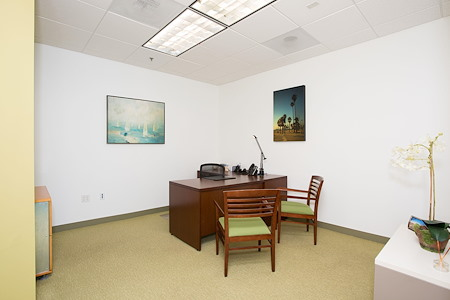 Carr Workplaces - Laguna Niguel - Private Office Conveniently Located