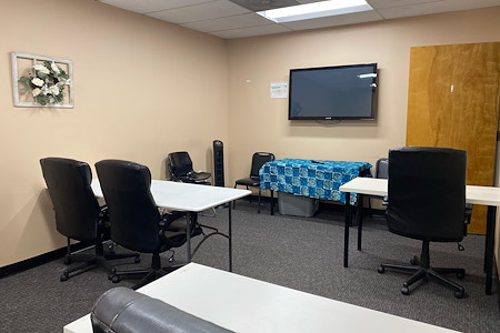 Livin' The Light's Partner Suites - Training Room