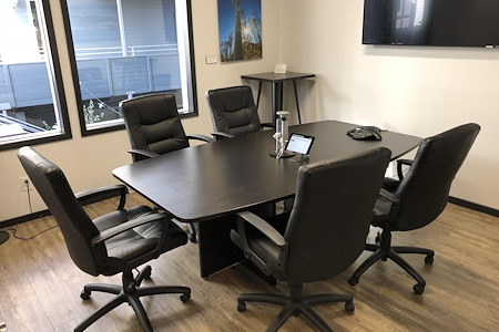 EVO3 Workspace - Medium-sized Conference Room