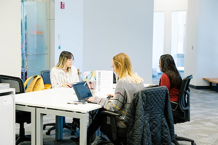 Launch Workplaces - Towson - Open Desk