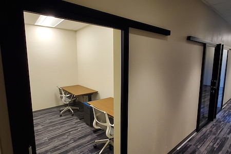 Granite City Coworking - Private office for 2