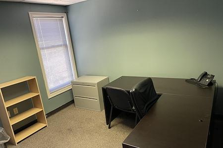 Bo Ex Properties - Suite  208