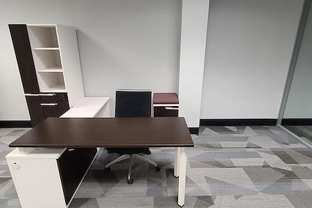 Harmony Coworks - Dedicated Desk 1
