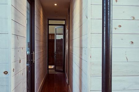 3580 IQL - Semi-Private Office Suite 307