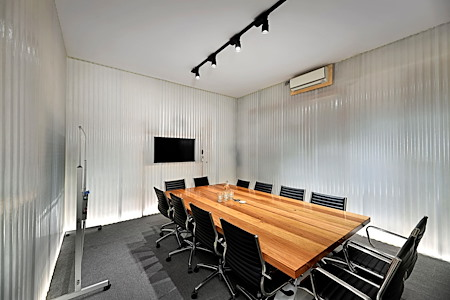 Exchange Workspaces Richmond - Board Room