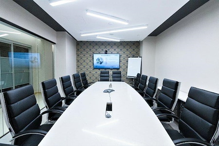Jay Suites - Plaza District - Modern meeting space for 16-Weekend