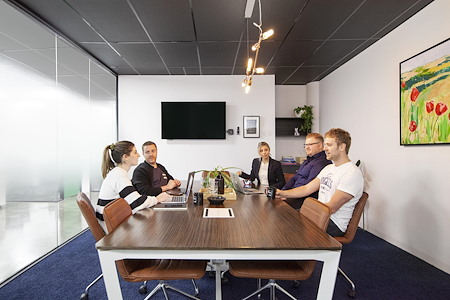 CoWork Me - 10 Person meeting room