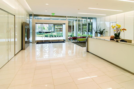 (4MB) 4000 McArthur - Window Office