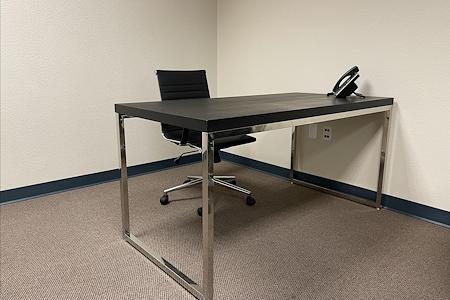 Privé Offices - Open Desk
