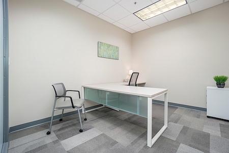 Office Evolution - Overland Park - Office 125
