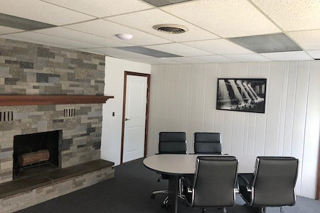 3136 Professional Office Suites - Meeting Room 1