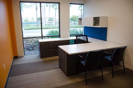 IBASE SPACES Irvine - Premium Medium Private Office