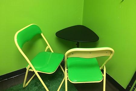 Flixmaven - Meeting Room 1