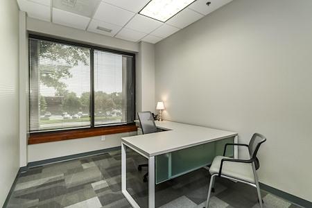 Office Evolution - Overland Park - Office 136