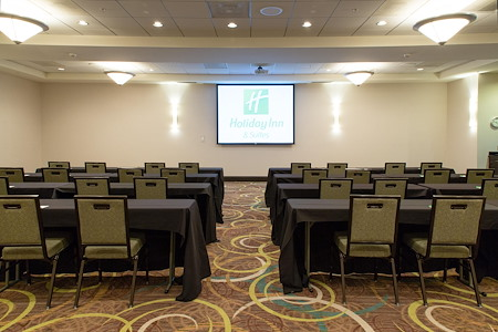 Holiday Inn & Suites- E. Empire St Bloomington - Rachel Crothers Conference Room