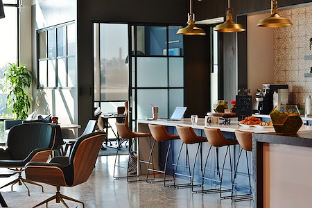 Venture X Charlotte - The Refinery - Coworking