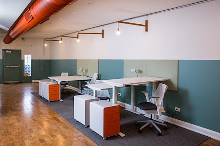 Ampersand Cowork - Dedicated Desk