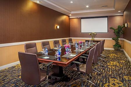 Courtyard by Marriott Monrovia - Executive Boardroom