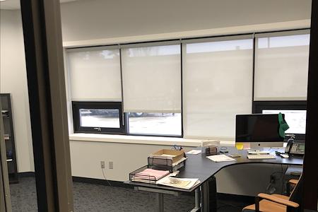 Skyland Management - Complete office unit