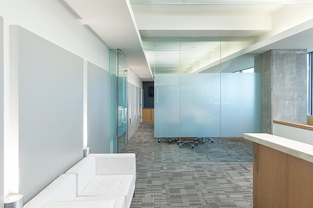 (BH2) Beverly Hills Triangle 2 - Cubicle