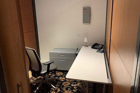 1018 Madison - Dedicated Desk