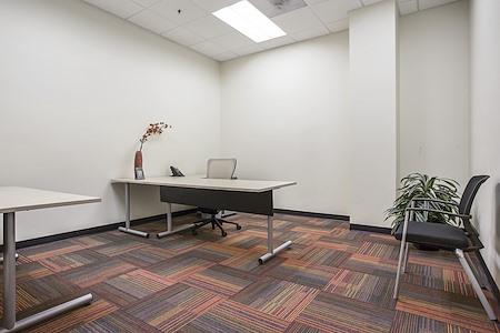 Office Evolution - Aurora - Large Interior Office