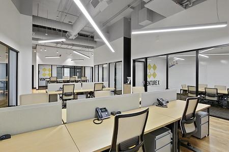 Venture X | Dallas by the Galleria - Dedicated desk