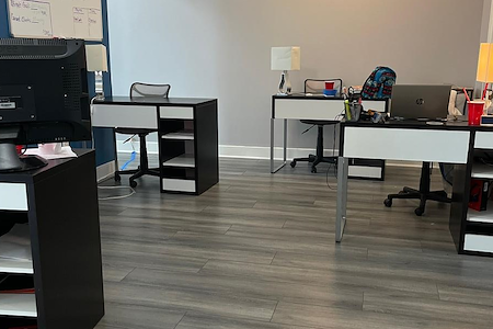 Pearson Unlimited Inc. Financial Services - Dedicated Desk 1