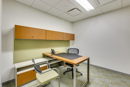 Carr Workplaces - Aon Center - Private Interior Office for 1- 2 People