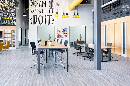 Venture X-Heartland - Shared Desk