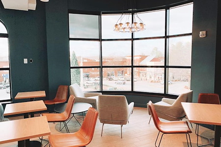 e|spaces Franklin Square - Open Desk 1