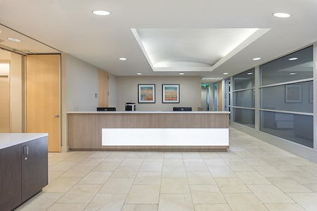 (SM3) 401 Wilshire - Interior Office