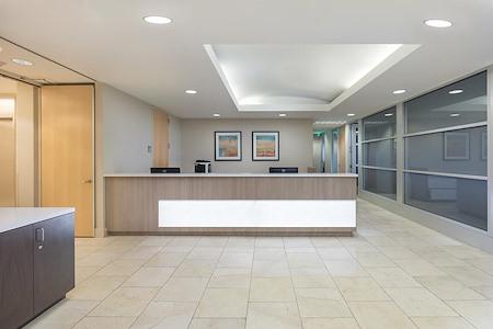 (SM3) 401 Wilshire - Interior Office