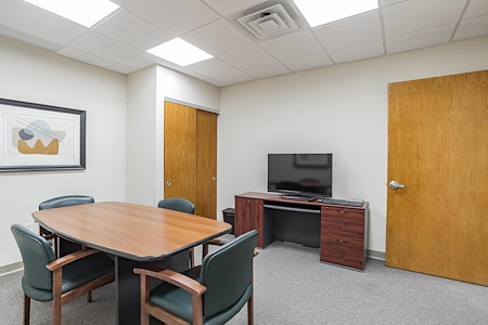 Stabile Suites - Conference Room